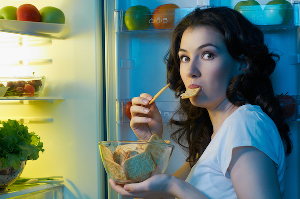 woman-snacking-at-night-snacking-survey-by-healthista.com_.jpg bad habits