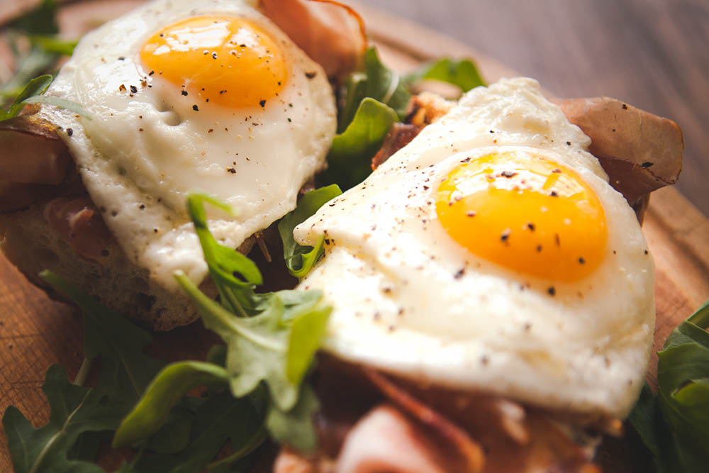 9-helpful-tips-for-a-healthy-happy-Christmas-eggs-for-breakfast.jpg