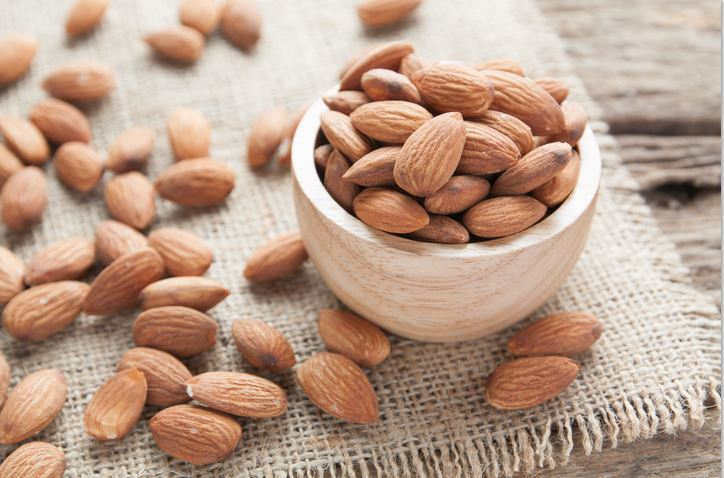 5 foods proven to reduce stress and anxiety almonds magneisum