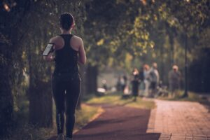 4-ways-you-can-change-your-relationship-with-exercise-for-the-better-woman-running.jpg