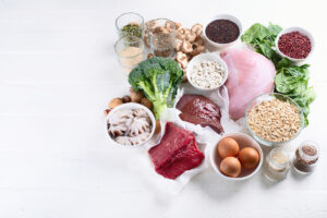 8-iron-deficiency-symptoms-you-may-not-know-about-iron-rich-foods.jpg
