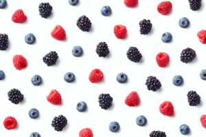7 superfoods you need to be eating berries
